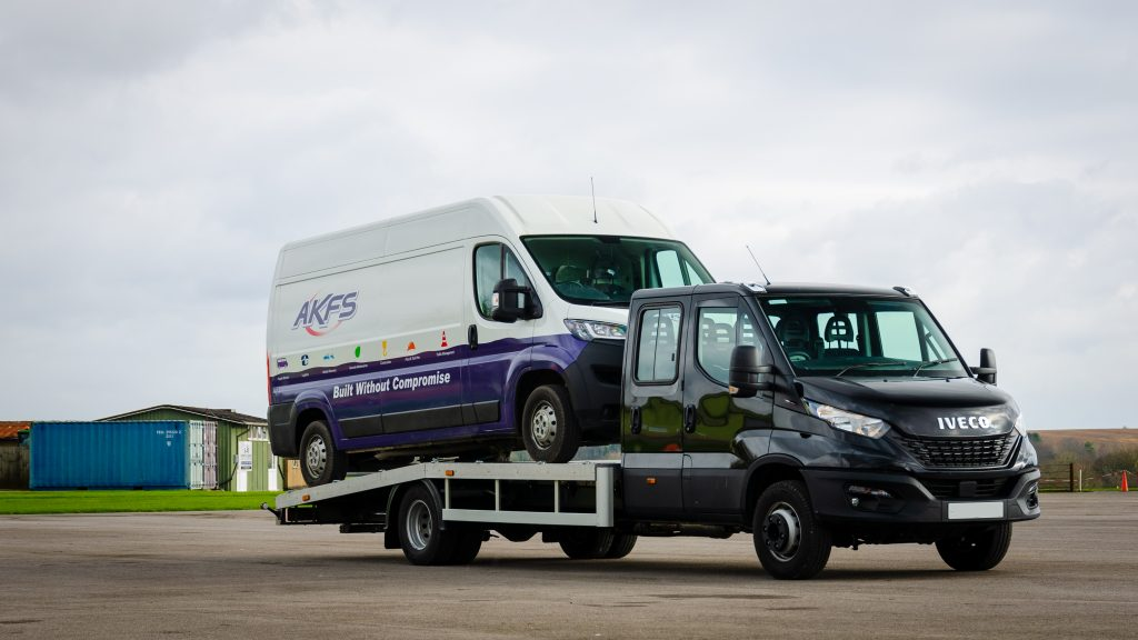 7.2kg Iveco Car Transporter with rear air suspension
